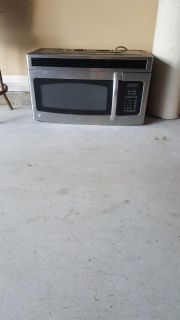 FREE ,,,ABOVE THE CABINET LARGE MICROWAVE...FREE....PLEASE READ DESCRIPTION BELOW