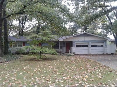 3 Bed 2 Bath Preforeclosure Property in Springfield, MO 65804 - S Saint Charles Ave