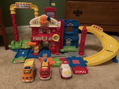 Fire station & 3 vehicles
