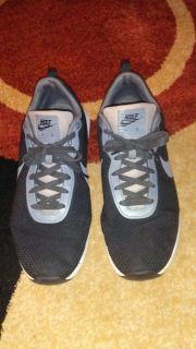 Mens size 14 nike air shoes