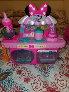 minnie mouse small stove