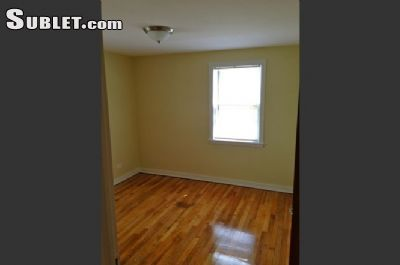 $800 2 apartment in West Suburbs