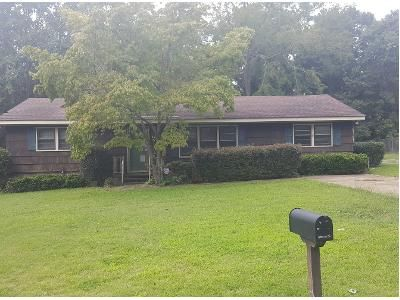 3 Bed 1.5 Bath Preforeclosure Property in Columbus, GA 31904 - Mellwood Rd