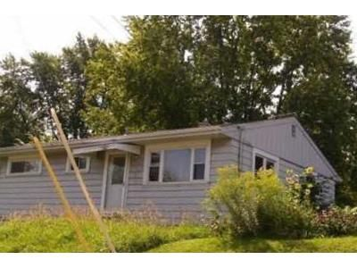 2 Bed 1 Bath Foreclosure Property in Muncie, IN 47302 - W 10th St