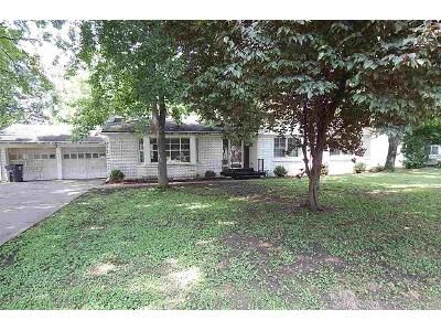 3 Bed 2 Bath Foreclosure Property in Evansville, IN 47715 - Washington Ave