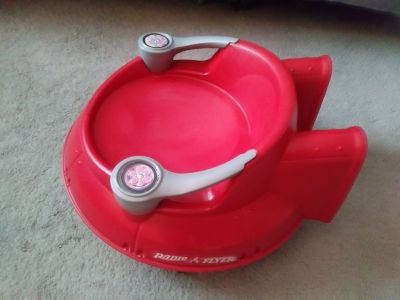 Radio Flyer Spin N Saucer Ride Toy Flying Jet Scooter Red Model 635