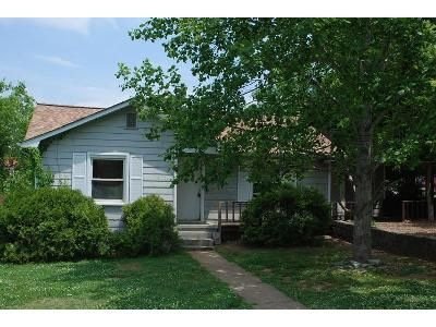 4 Bed 2 Bath Foreclosure Property in Fayetteville, TN 37334 - Cove St