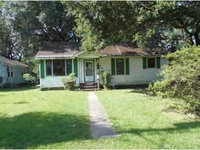 3 Bed 1 Bath Foreclosure Property in Baton Rouge, LA 70805 - Oswego St