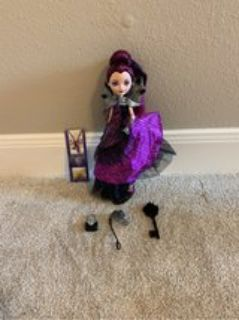 ever After high Thronecoming- Raven Queen
