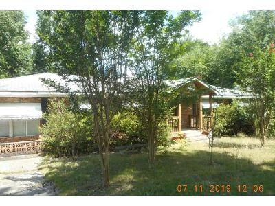 3 Bed 2.5 Bath Preforeclosure Property in Columbia, SC 29209 - Greenlawn Dr