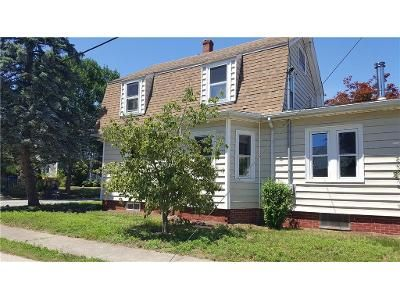 3 Bed 2 Bath Foreclosure Property in Riverside, RI 02915 - Smith St