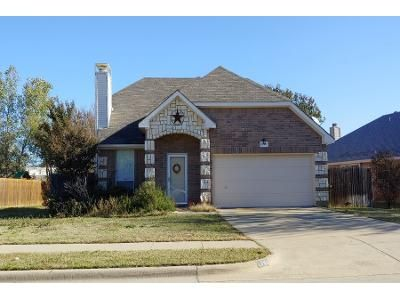 3 Bed 2.0 Bath Preforeclosure Property in Lewisville, TX 75067 - Marchant Pl