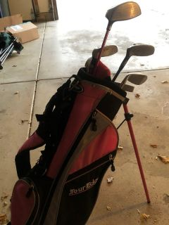 Youth Girls Right Handed Golf Set