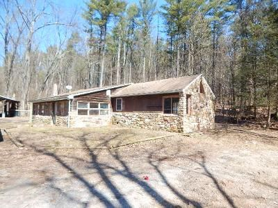 2 Bed 1 Bath Foreclosure Property in Millmont, PA 17845 - Polly Pine Rd