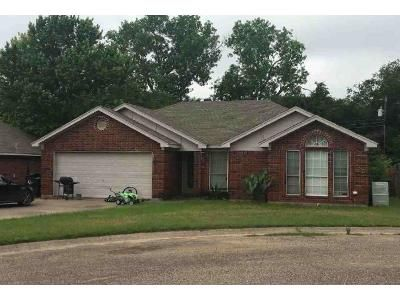 3 Bed 2 Bath Foreclosure Property in Cleburne, TX 76033 - Willana Ct