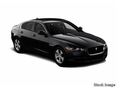 2017 Jaguar XE 20d (Polaris White)