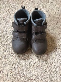 Carter s Size 10 Casual Boots