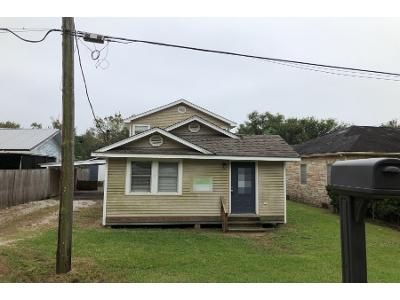 3 Bed 2 Bath Foreclosure Property in Cut Off, LA 70345 - E 36th St