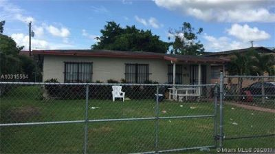 4 BEDROOMS 2 BATHS ONE OF A KIND INVESTMENT PROPERTY!!!