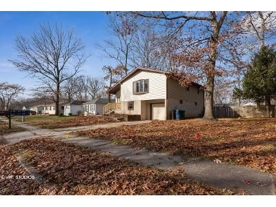 4 Bed 1.5 Bath Foreclosure Property in Williamstown, NJ 08094 - Joanie Ave