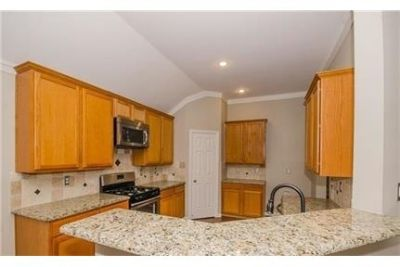 Like new in Frisco Sterling Ranch. Washer/Dryer Hookups!