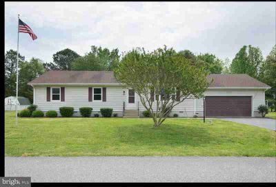 22 W Yorktown Rd Milford Three BR, Beautiful well maintained