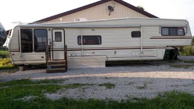 By Owner! 1987 40 ft. Teton Atlanta w/slide Park Model
