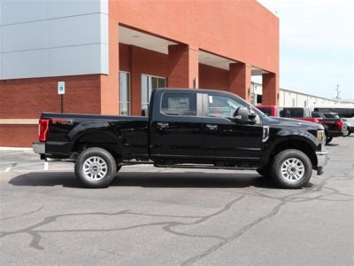 2018 Ford Super Duty F-250 SRW XL 4WD Crew Cab 6.75' Box (Black)