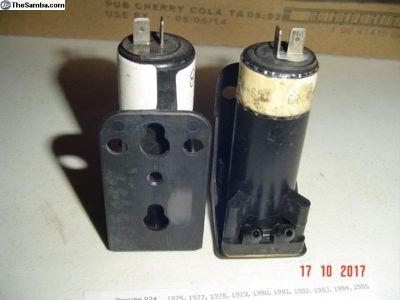 Windshield washer pump #823955651