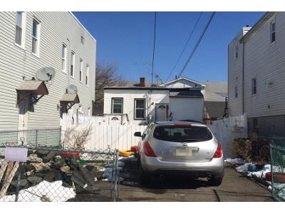 2 Bed 1 Bath Preforeclosure Property in Garfield, NJ 07026 - Jewell St