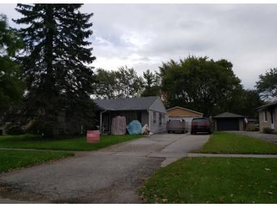 3 Bed 1 Bath Preforeclosure Property in Rolling Meadows, IL 60008 - Sigwalt St