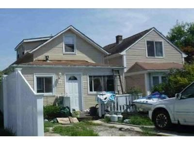 2 Bed 1 Bath Foreclosure Property in Swansea, MA 02777 - Mildred Ave