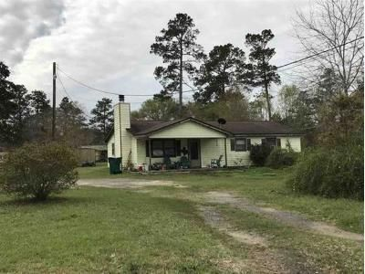 2 Bed 1 Bath Foreclosure Property in Silsbee, TX 77656 - Cansler Rd