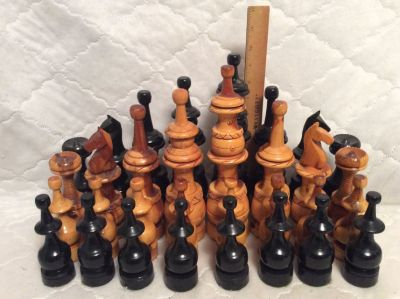 10 Wood Chess Pieces