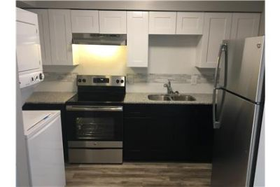 Amazing 3 bedroom 2 bath apartments! Newly remodel