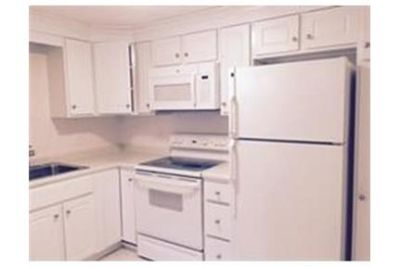 2 bedrooms Condo - Completely renovated new kitchen, bath. Parking Available!