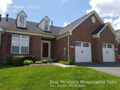 Beautiful Bright 3 BR Townhouse for Rent in Warrenton!