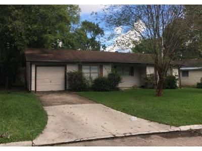3 Bed 1 Bath Foreclosure Property in Beaumont, TX 77707 - Broadmoor Dr