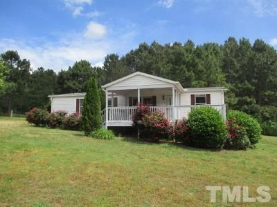 3 Bed 2 Bath Foreclosure Property in Wendell, NC 27591 - Nodding Violet Way