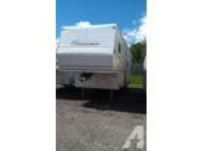 $13,900 2004 Coachman 28' 5th Wheel