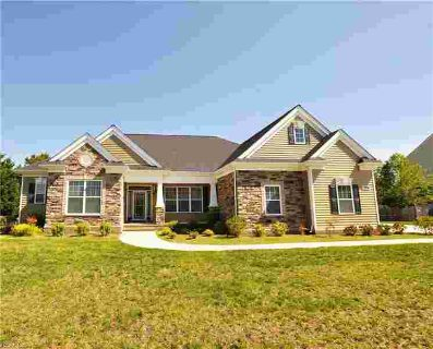 2008 Fieldstone LN SUFFOLK Four BR, Prepare to fall in love with