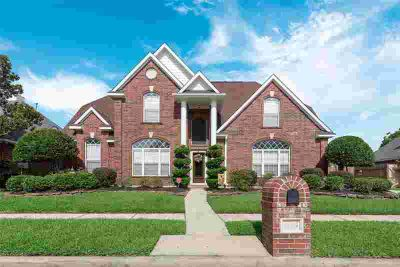 4405 Santee Drive BAYTOWN Four BR, Youll love this stunning two
