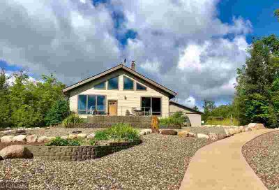 43344 320th Place Aitkin, TOP quality, Three BR/Three BA