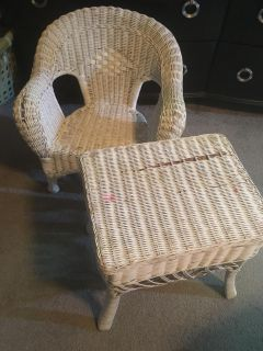Child wicker chair and table