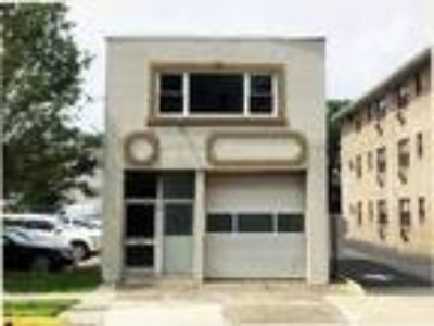 Shop and Office for lease
