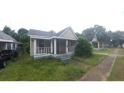 3 Bed 1 Bath Foreclosure Property in Lanett, AL 36863 - S 4th Ave