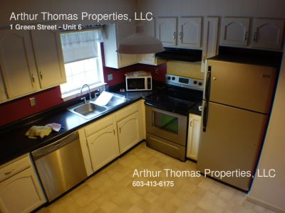 Great 2 Bedroom Apartment in Downtown Dover with Heat and HW Included!