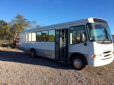 2003 Goshen Sentry 26 Passenger Bus RTR#7093788-01