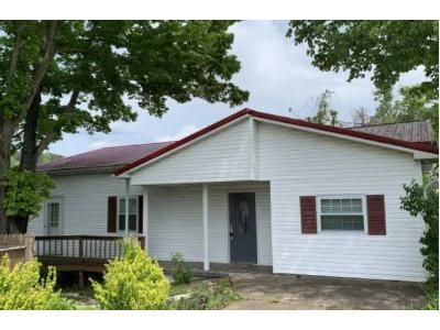 3 Bed 1 Bath Foreclosure Property in West Hamlin, WV 25571 - Lower Mud River Rd