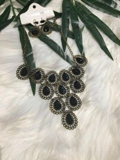 NWT! Black & Antique Gold Necklace & Earring Set